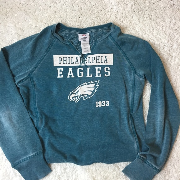 2628340abf8 Team NFL distressed Philadelphia Eagles sweatshirt.  M 5be774e76a0bb7895fb34a2d
